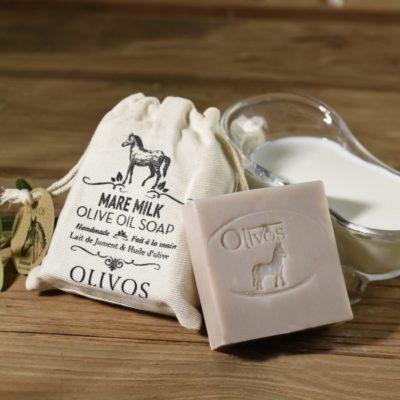 Natuurlijke olijfzeep gemaakt van paardenmelk